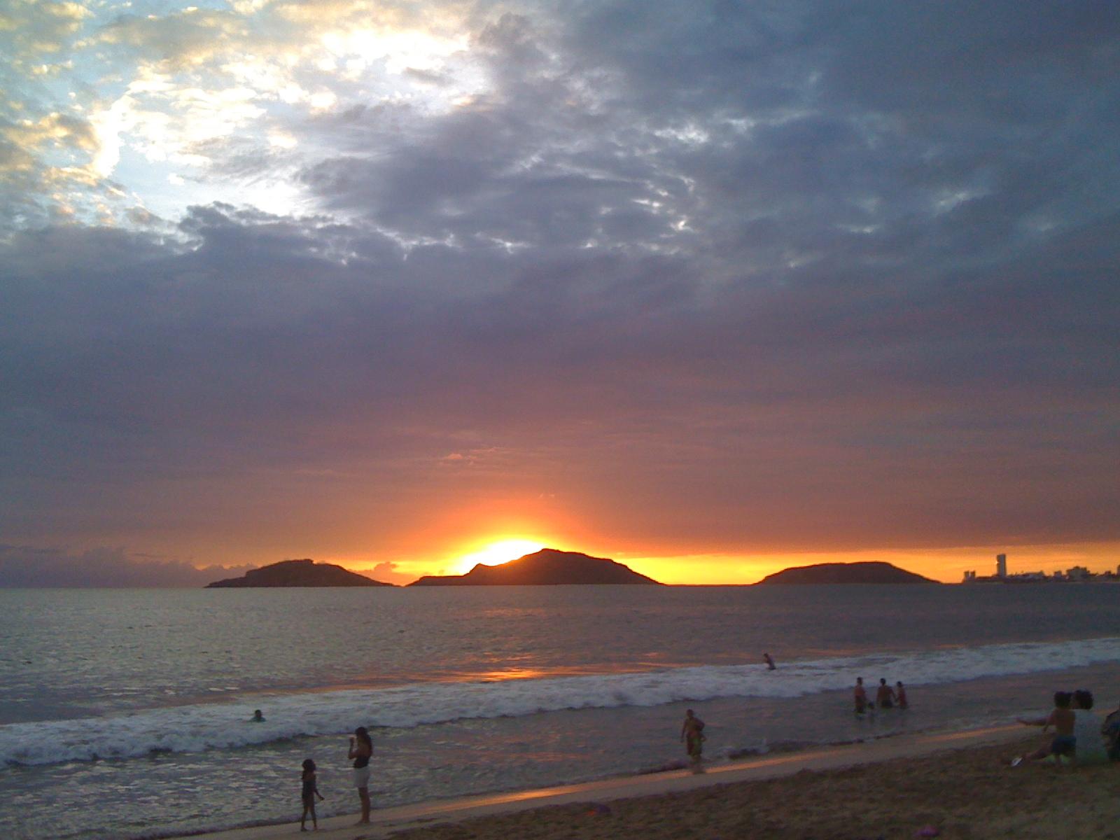 Las 3 islas sunset 3