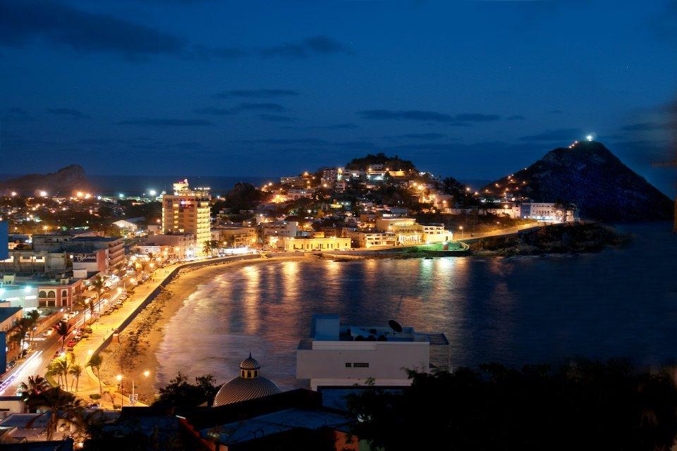 Olas Altas night
